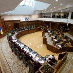 62 народных депутата просят КСУ проверить на соответствие Конституции указ Президента о роспуске парламента